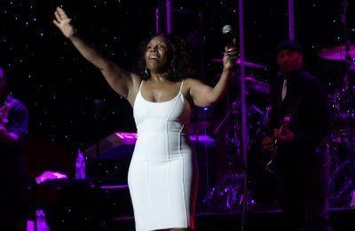 Ms Stephanie Mills performs on STC 16